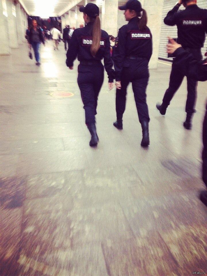 oralniy-seks-telki-politsiya-foto-krasivih