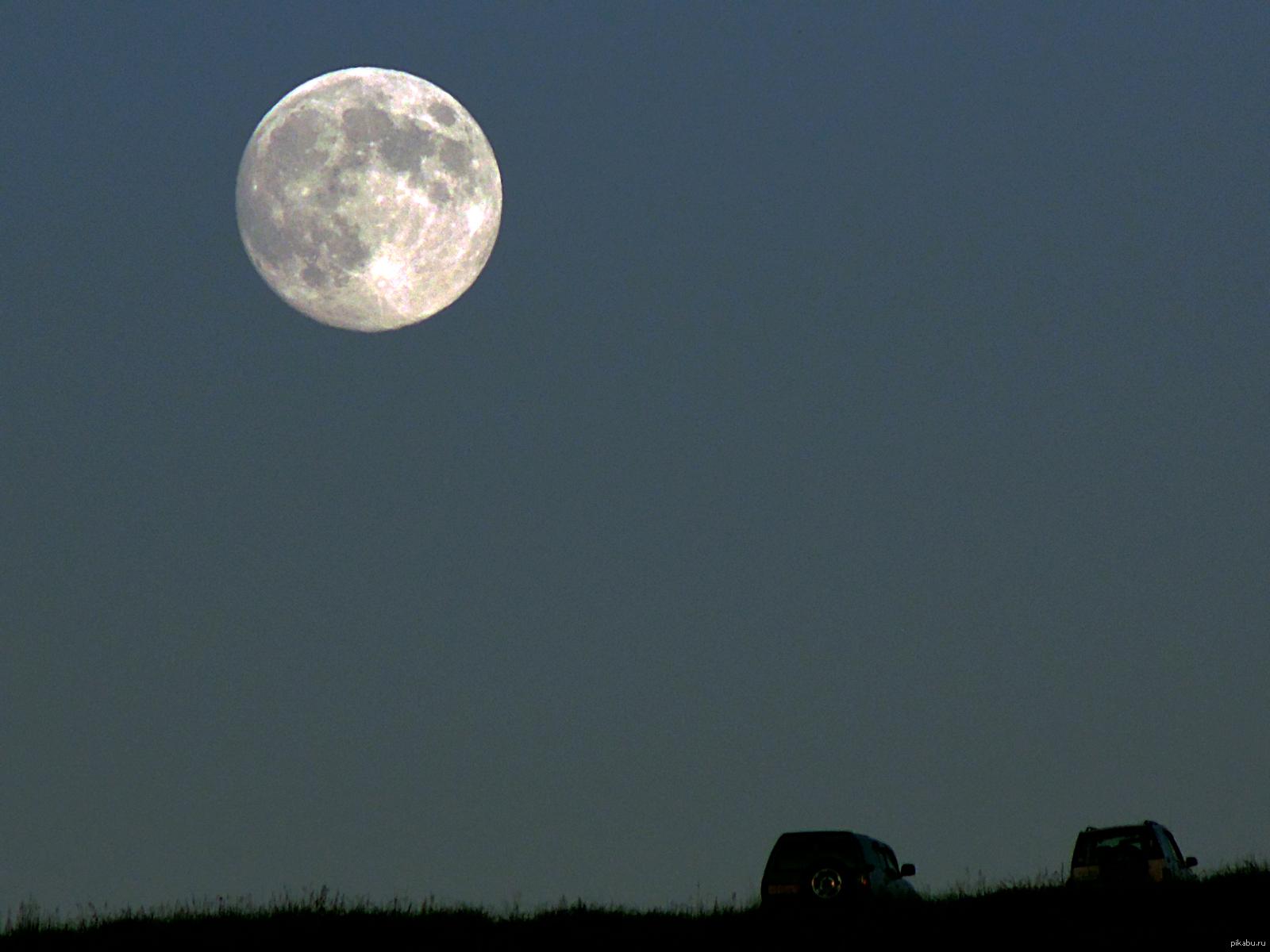 Восход луны в картинках