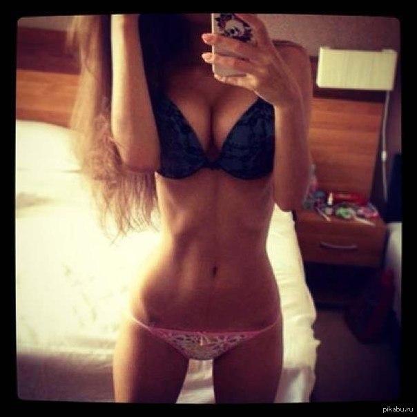 фото грудь в зеркале