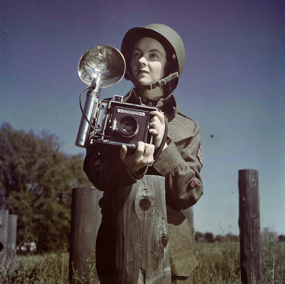 роль военных фоторепортеров необходимо оборудовать