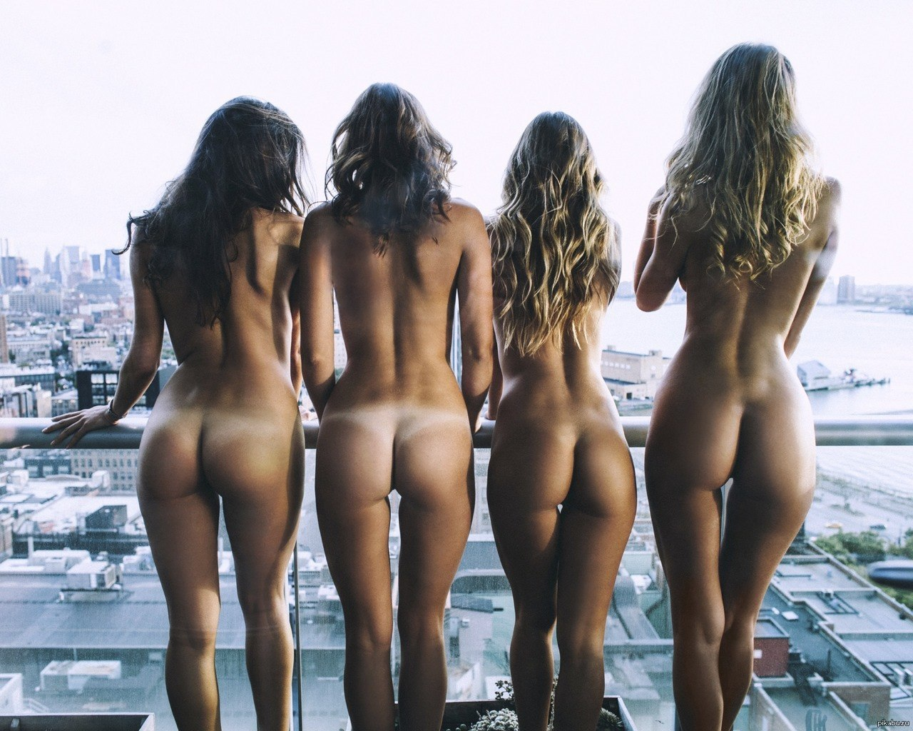 Nude buttcheeks — img 8