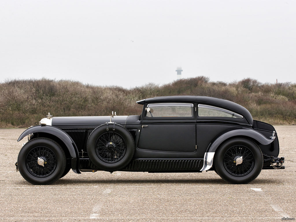 Bentley blue train
