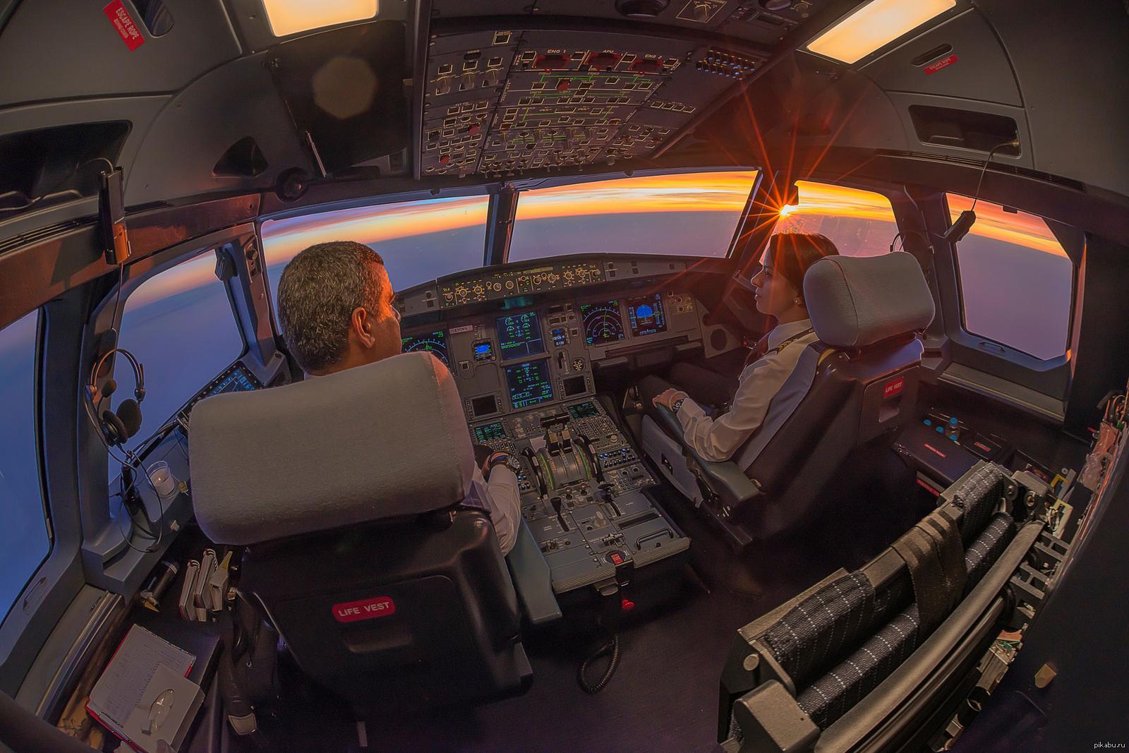 быстрый фото в кабине пилота самолета стоимость