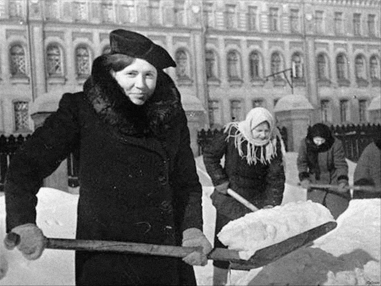 артисты блокадного ленинграда фото крепится