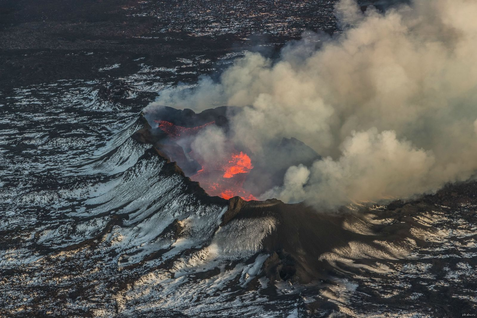 underwater volcano pictures - HD3110×2073