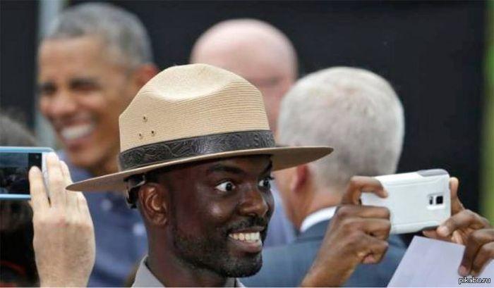 Большие шляпы у негров
