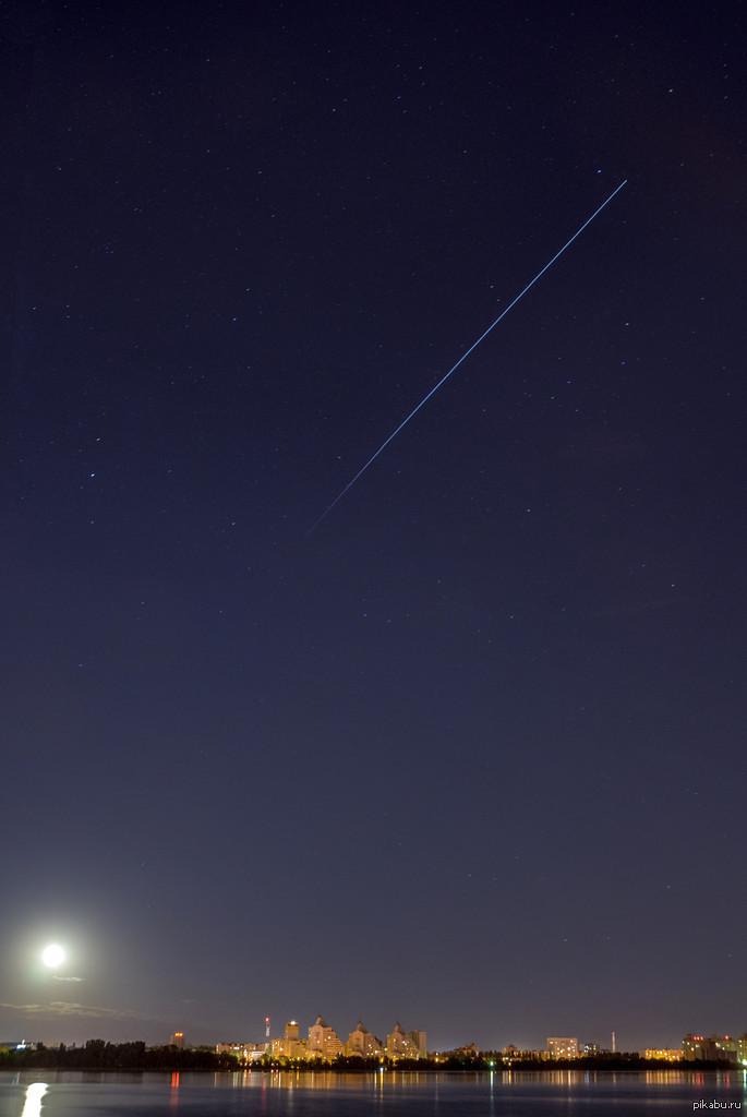 вчера, как выглядит спутник с земли ночью фото именно как побывал