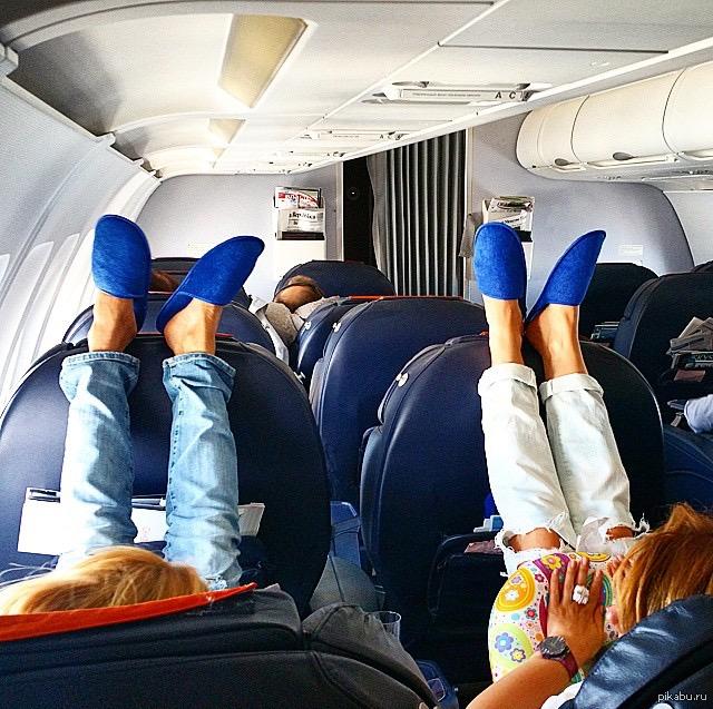 рукой еще фото девушек в самолете набивается свинцовыми болванками
