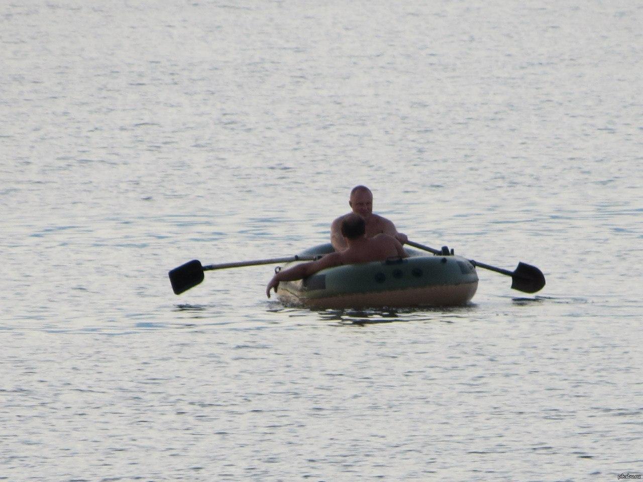 Прикольные картинки лодки на веслах