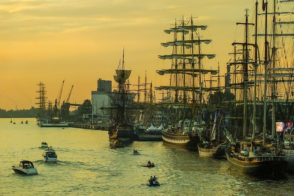корабли заходят в гавань картинки дом аксай