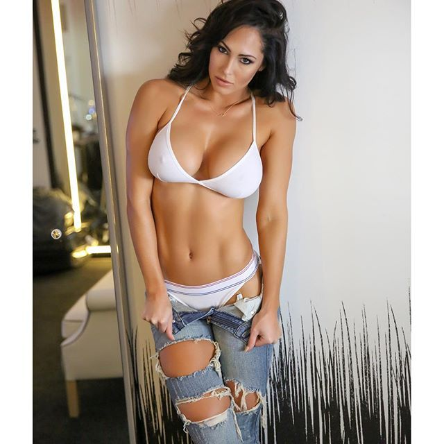 Hope Beel naked 45