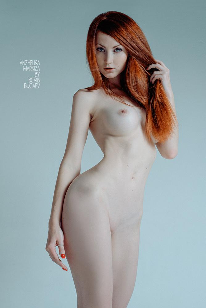 Для секса рыжая с красивой грудью гинекологическом стуле порно